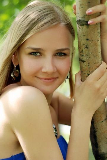 Beautiful Russian woman searching for a husband abroad